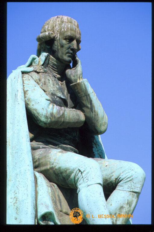 Statue de Lamarck dans le Jardin des Plantes (Copyright MNHN)